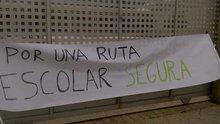 Pancarta. Por una ruta escolar segura. www.sierradegatadigital.es